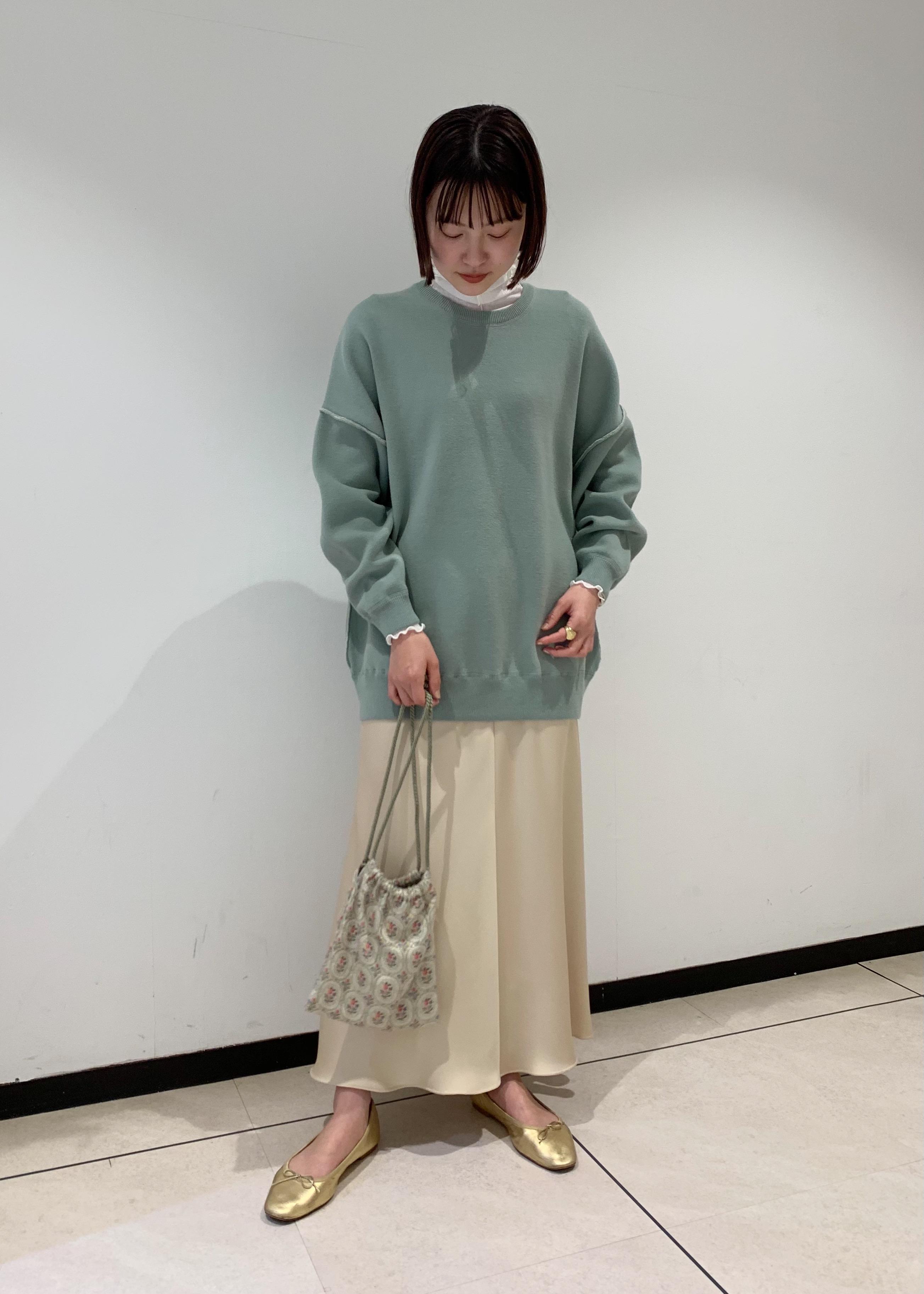 ROPE'のニュアンスサテンマーメイドスカートを使ったコーディネートを紹介します。|Rakuten Fashion(楽天ファッション/旧楽天ブランドアベニュー)1080688