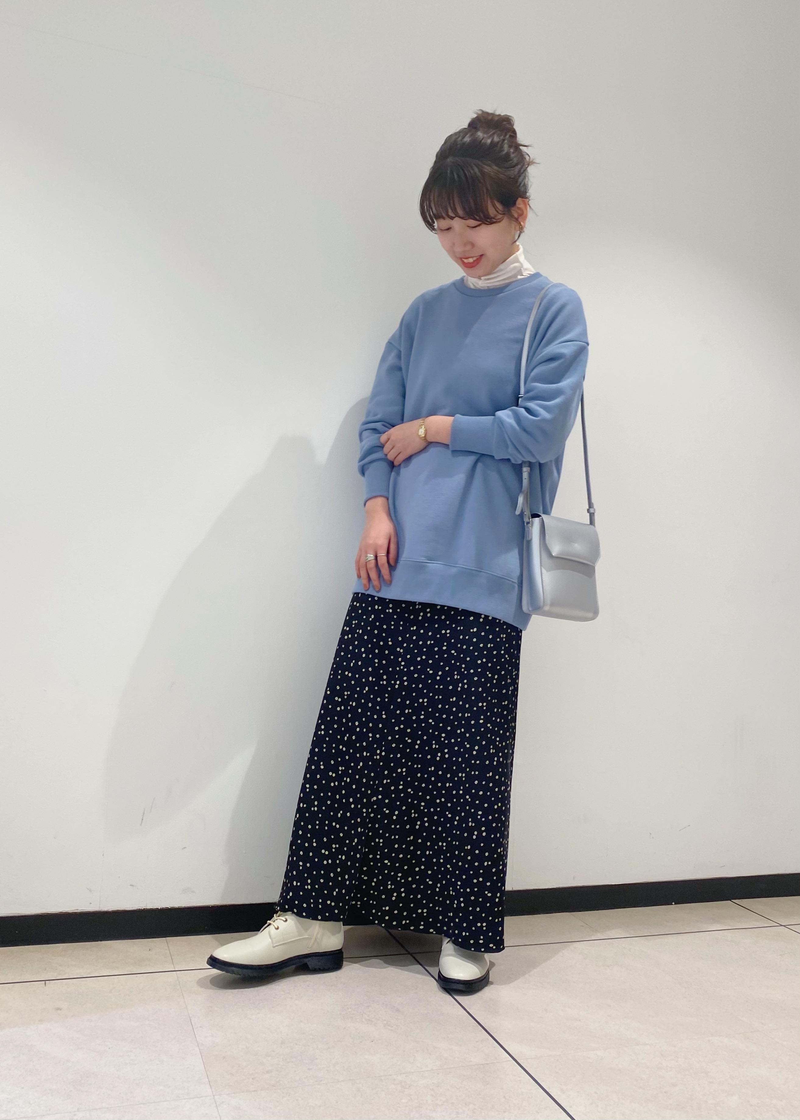 ROPE'の【LAMRONS】別注ルーズチュニックスウェットを使ったコーディネートを紹介します。 Rakuten Fashion(楽天ファッション/旧楽天ブランドアベニュー)1080735