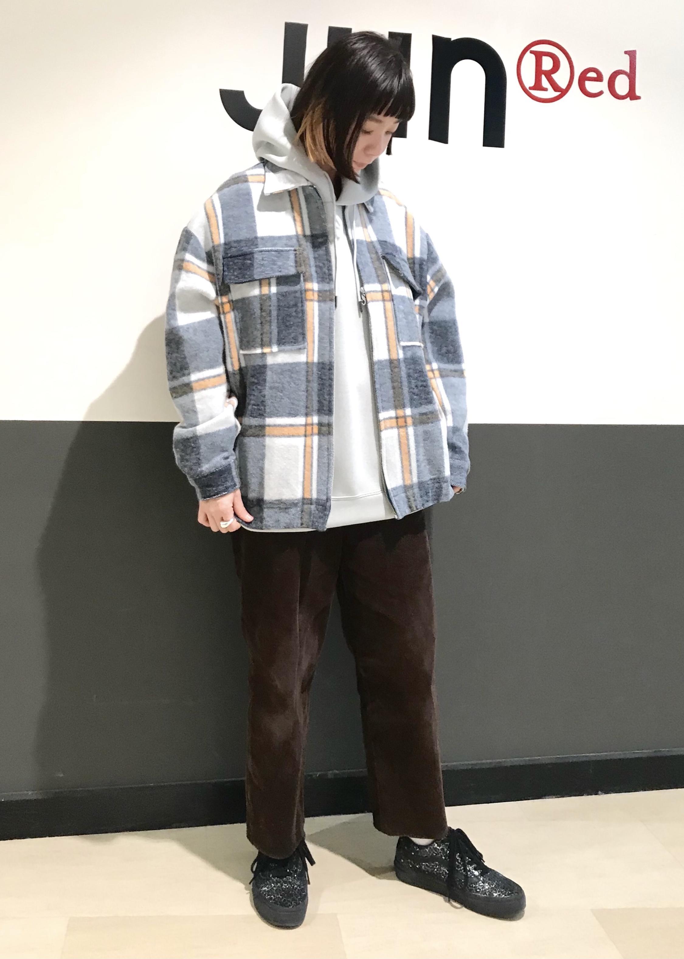 JUNRedのダンボールニットプルパーカーを使ったコーディネートを紹介します。|Rakuten Fashion(楽天ファッション/旧楽天ブランドアベニュー)1080246