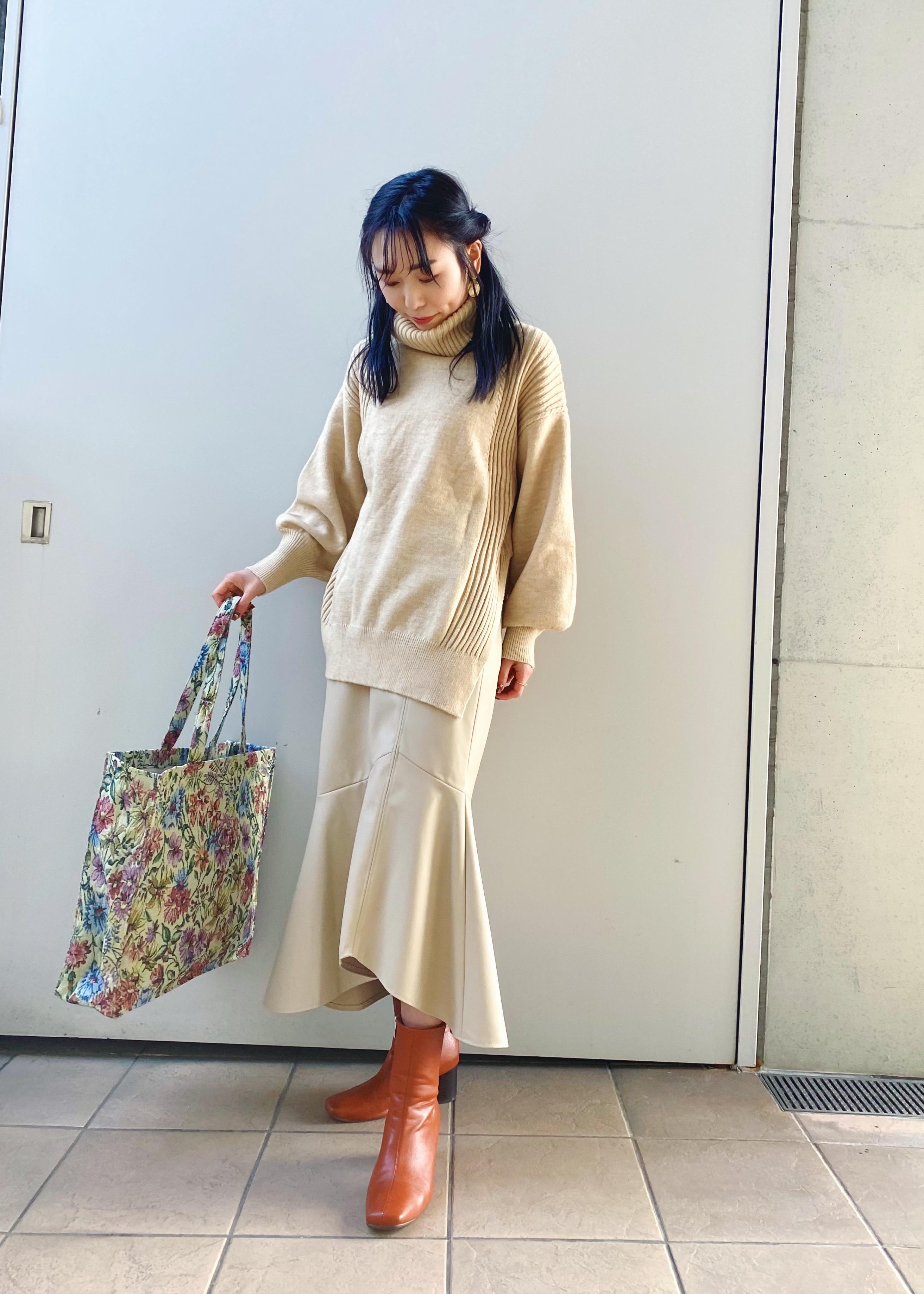ViSのエコレザーマーメイドスカートを使ったコーディネートを紹介します。 Rakuten Fashion(楽天ファッション/旧楽天ブランドアベニュー)1080268