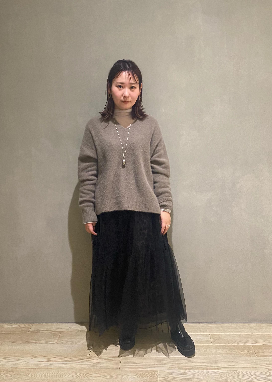 ADAM ET ROPE'のシアーメローシフォンタートルを使ったコーディネートを紹介します。 Rakuten Fashion(楽天ファッション/旧楽天ブランドアベニュー)1080408