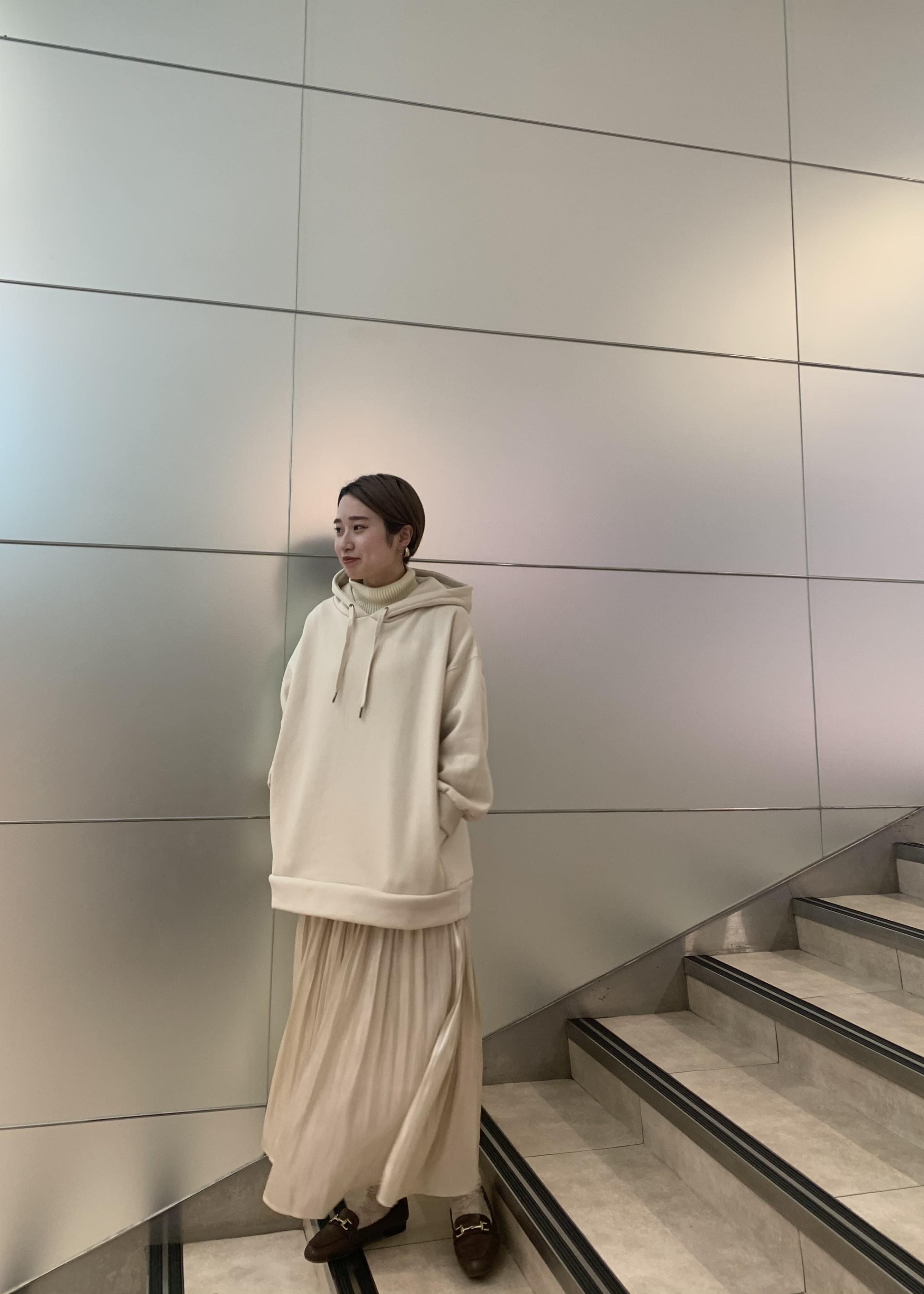 ViSのレイヤード風ニットドッキングフーディーを使ったコーディネートを紹介します。|Rakuten Fashion(楽天ファッション/旧楽天ブランドアベニュー)1080970