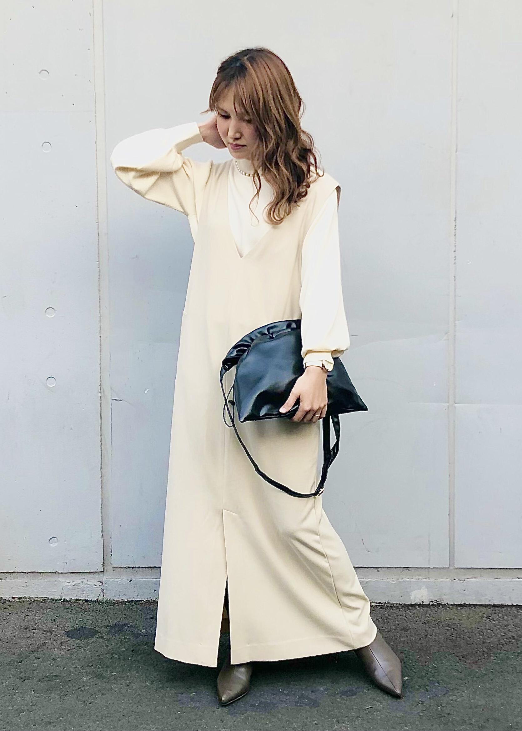 ViSのIラインジャンパースカートを使ったコーディネートを紹介します。|Rakuten Fashion(楽天ファッション/旧楽天ブランドアベニュー)1081045