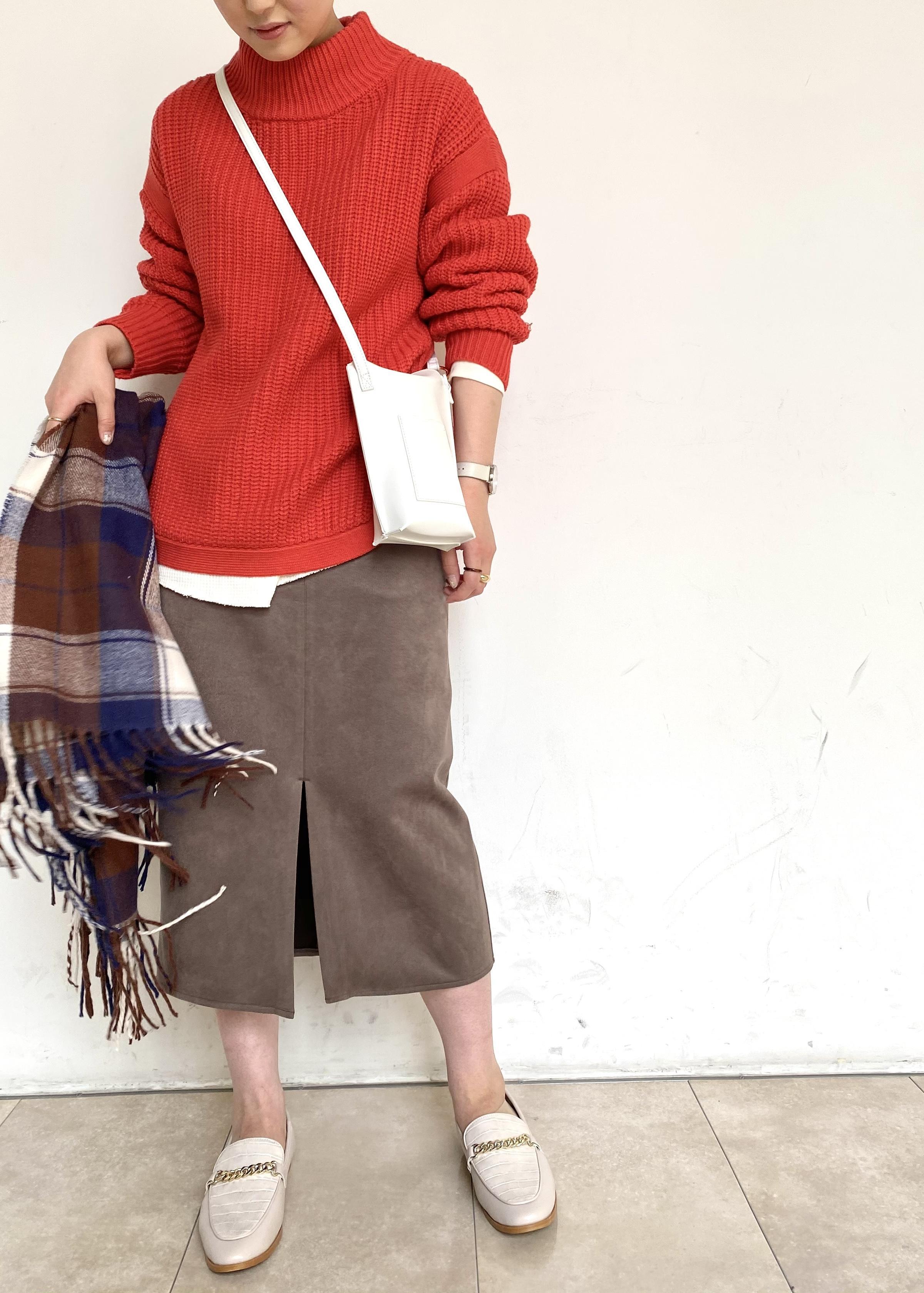 ViSの裾ラウンド畦ニットプルオーバーを使ったコーディネートを紹介します。|Rakuten Fashion(楽天ファッション/旧楽天ブランドアベニュー)1080988