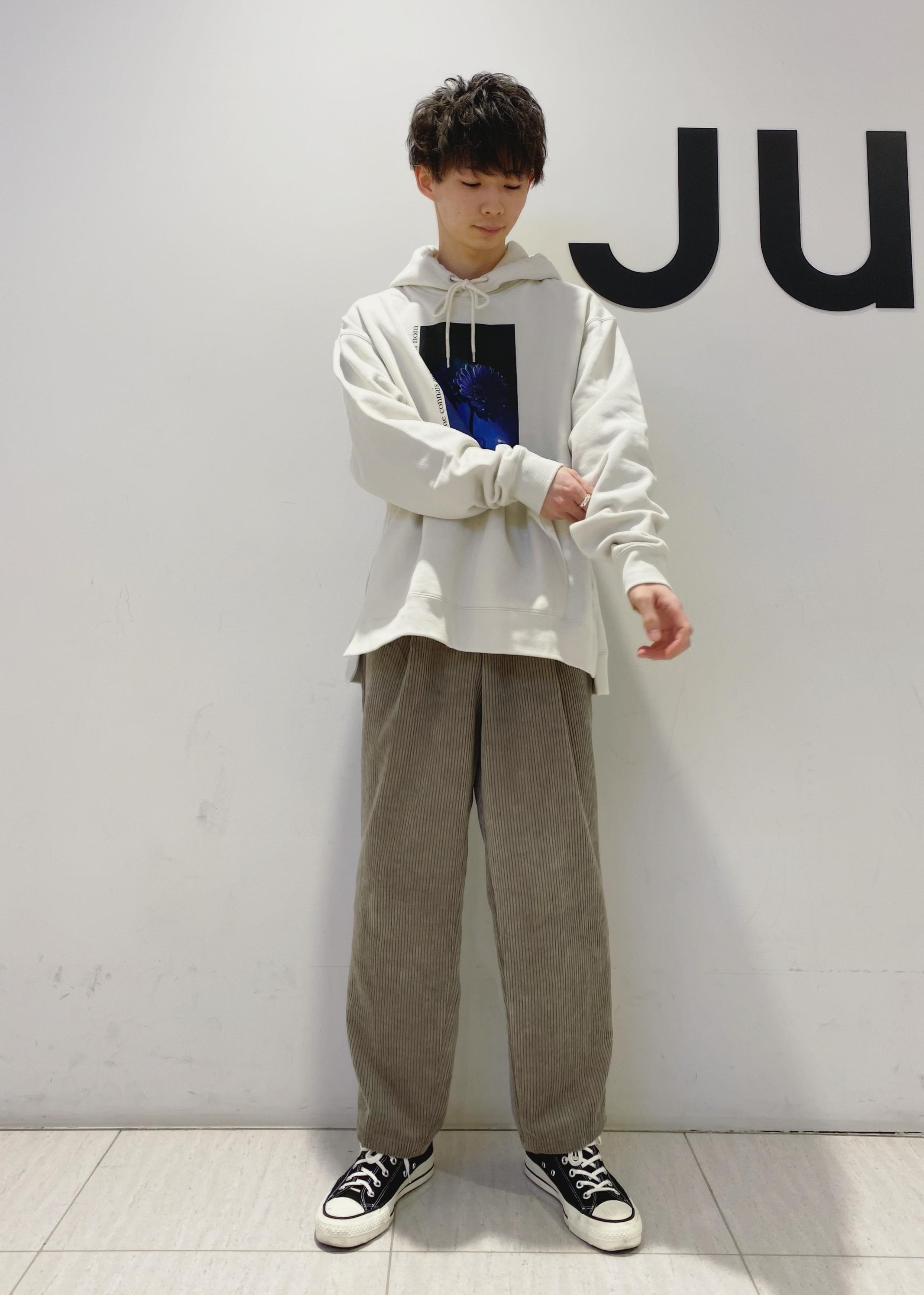 JUNRedのDAIKI NAKAMURA コラボグラフィックプルパーカーを使ったコーディネートを紹介します。 Rakuten Fashion(楽天ファッション/旧楽天ブランドアベニュー)1082843