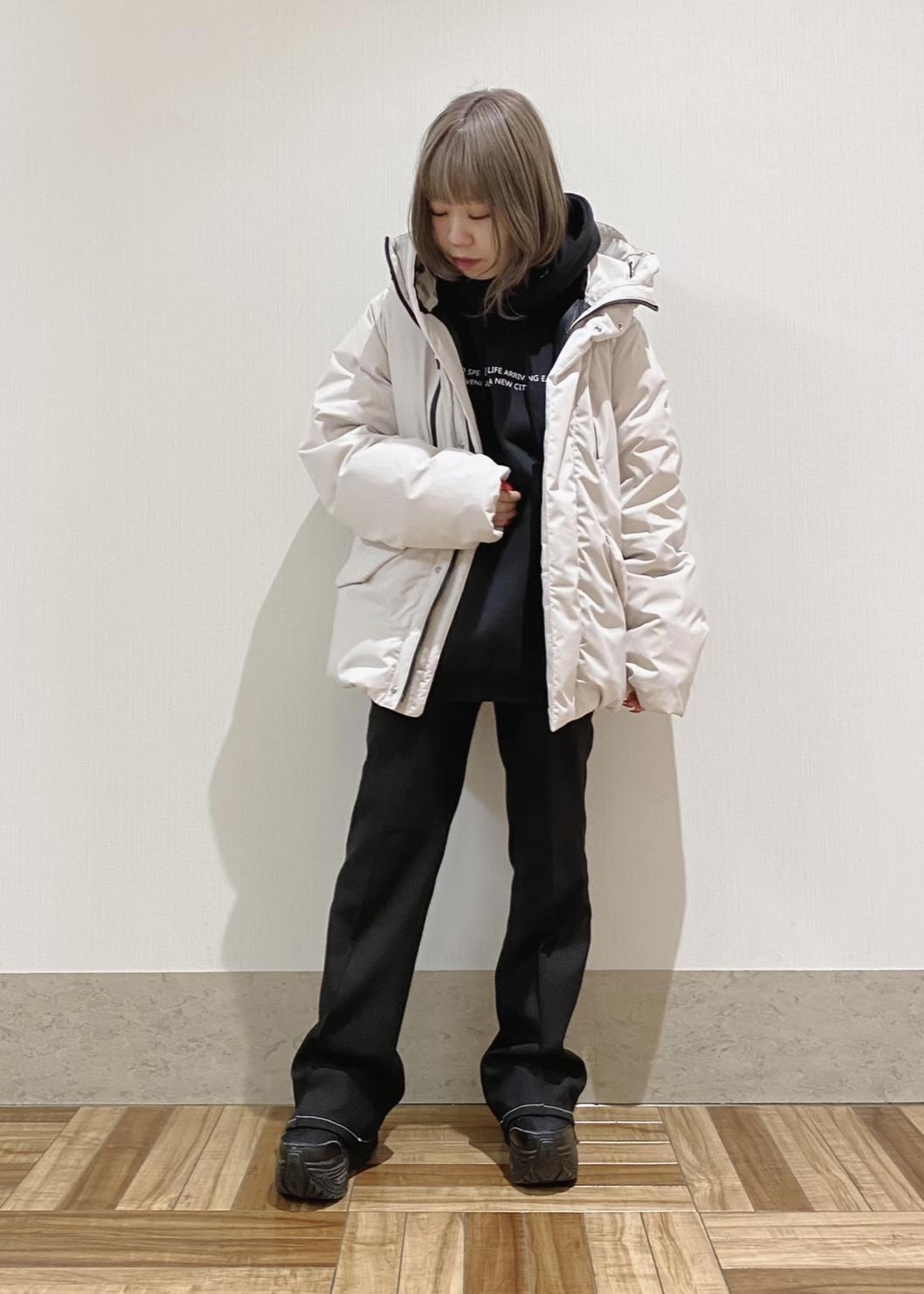 JUNRedのアートグラフィックルーズプルパーカーを使ったコーディネートを紹介します。 Rakuten Fashion(楽天ファッション/旧楽天ブランドアベニュー)1082893