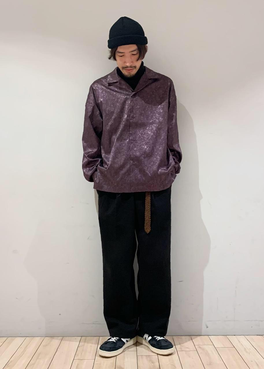 JUNRedのタートルネックロングスリーブTを使ったコーディネートを紹介します。|Rakuten Fashion(楽天ファッション/旧楽天ブランドアベニュー)1082687