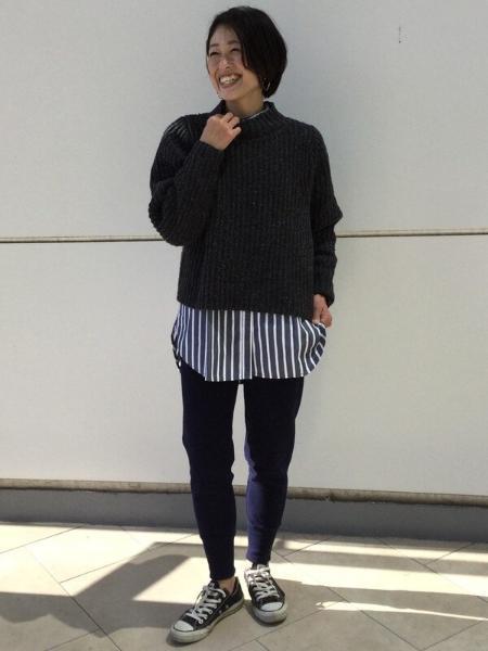 GAPの(W)スタンドカラーシャツを使ったコーディネートを紹介します。|Rakuten Fashion(楽天ファッション/旧楽天ブランドアベニュー)1073326