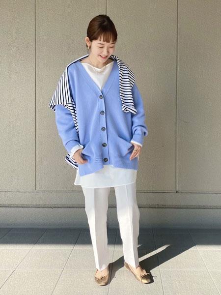 SLOBE IENAのEyreスムースニットカーディガン◆を使ったコーディネートを紹介します。|Rakuten Fashion(楽天ファッション/旧楽天ブランドアベニュー)1073485