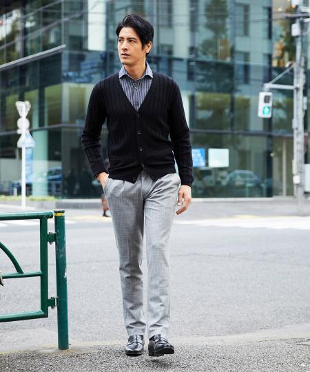 MICHEL KLEIN HOMMEのカーディガン(グラデーションニット)を使ったコーディネートを紹介します。|Rakuten Fashion(楽天ファッション/旧楽天ブランドアベニュー)1073821
