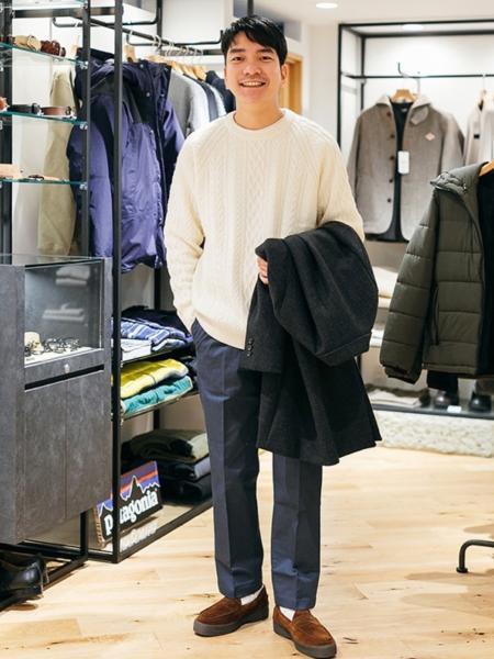 URBAN RESEARCH DOORSの【一部WEB限定カラー/サイズ】スモーキートーン ワンタックパンツを使ったコーディネートを紹介します。|Rakuten Fashion(楽天ファッション/旧楽天ブランドアベニュー)1074702