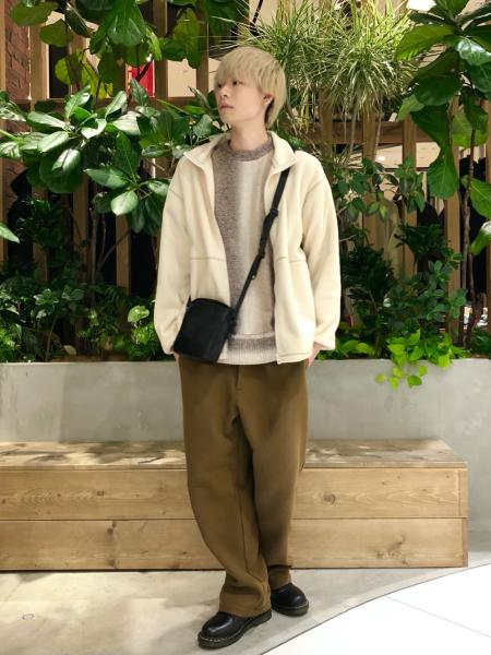 niko and ...のフェイクレザーボックスミニショルダーバッグを使ったコーディネートを紹介します。 Rakuten Fashion(楽天ファッション/旧楽天ブランドアベニュー)1075442
