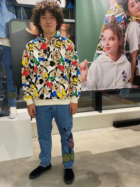 Levi'sのDISNEY 502TM INDIGO DENIMを使ったコーディネートを紹介します。|Rakuten Fashion(楽天ファッション/旧楽天ブランドアベニュー)1076200