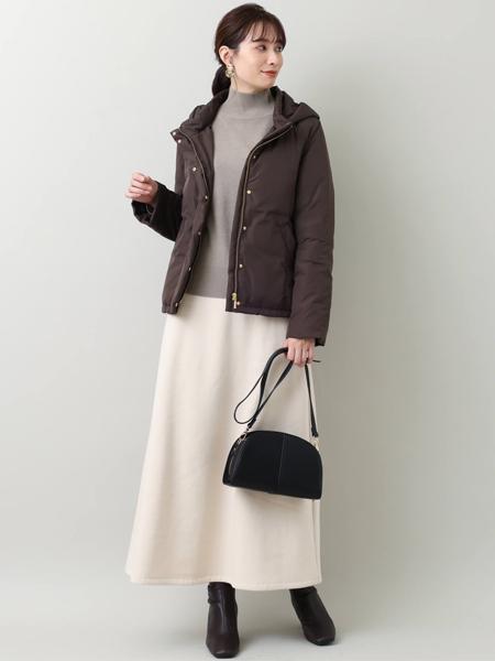 MK MICHEL KLEINのフーデットショートダウンを使ったコーディネートを紹介します。|Rakuten Fashion(楽天ファッション/旧楽天ブランドアベニュー)1076711