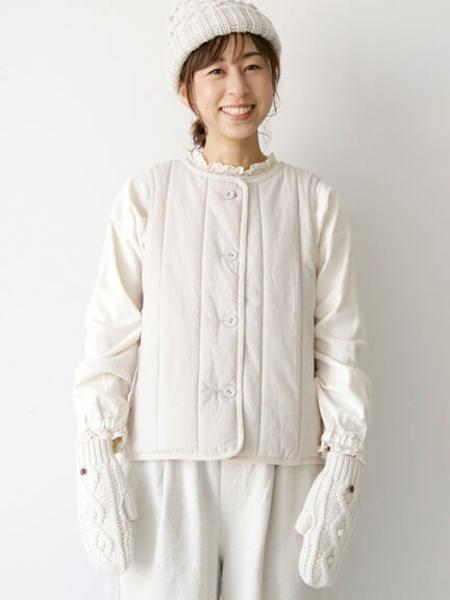 Samansa Mos2の中綿キルトベストを使ったコーディネートを紹介します。|Rakuten Fashion(楽天ファッション/旧楽天ブランドアベニュー)1079001