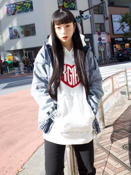X-girlのHEART LOGO SWT HDYを使ったコーディネートを紹介します。 Rakuten Fashion(楽天ファッション/旧楽天ブランドアベニュー)1079785