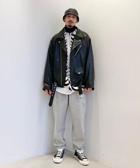 BEAMS MENのBEAMS / ルーズ ダブル レザーライダース ジャケットを使ったコーディネートを紹介します。|Rakuten Fashion(楽天ファッション/旧楽天ブランドアベニュー)1079863