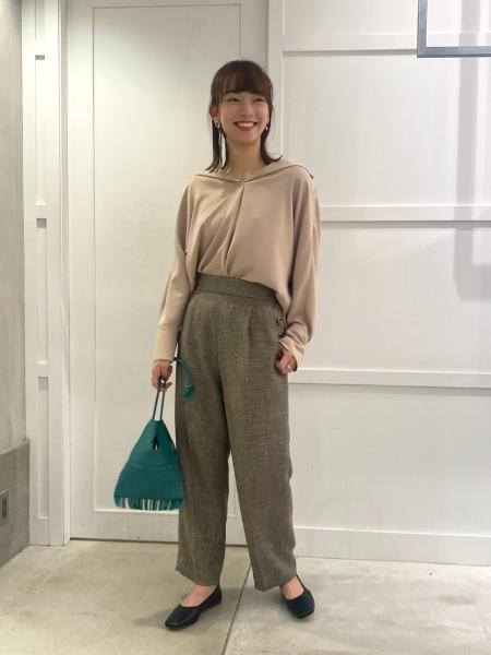 NOBLEのスムージーサテンショールカラーブラウス◆を使ったコーディネートを紹介します。 Rakuten Fashion(楽天ファッション/旧楽天ブランドアベニュー)1079926