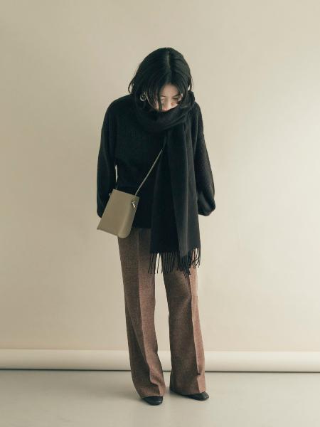 SMELLYのスクエアミニショルダーバッグを使ったコーディネートを紹介します。|Rakuten Fashion(楽天ファッション/旧楽天ブランドアベニュー)1081364