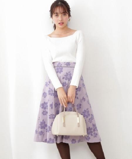 PROPORTION BODY DRESSINGのフロッキーフラワーフレアスカートを使ったコーディネートを紹介します。 Rakuten Fashion(楽天ファッション/旧楽天ブランドアベニュー)1081444