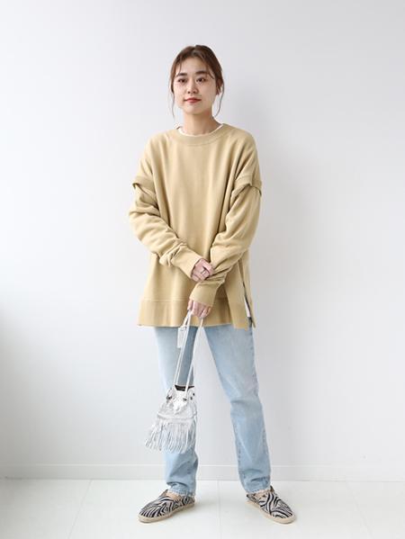 JOURNAL STANDARD relumeのショルダースリットスウェットを使ったコーディネートを紹介します。|Rakuten Fashion(楽天ファッション/旧楽天ブランドアベニュー)1081796