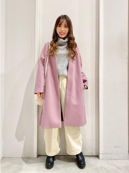 BAYFLOWの(W)W/TオーバーVネックCTを使ったコーディネートを紹介します。|Rakuten Fashion(楽天ファッション/旧楽天ブランドアベニュー)1083587