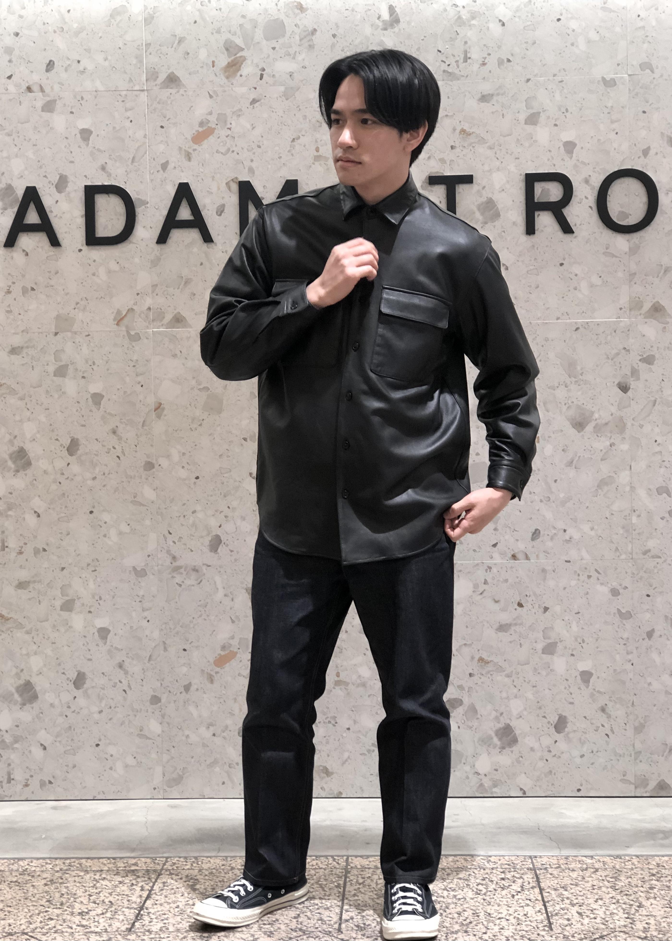 ADAM ET ROPE'のオーバーサイズ レザーシャツブルゾンを使ったコーディネートを紹介します。 Rakuten Fashion(楽天ファッション/旧楽天ブランドアベニュー)1086238