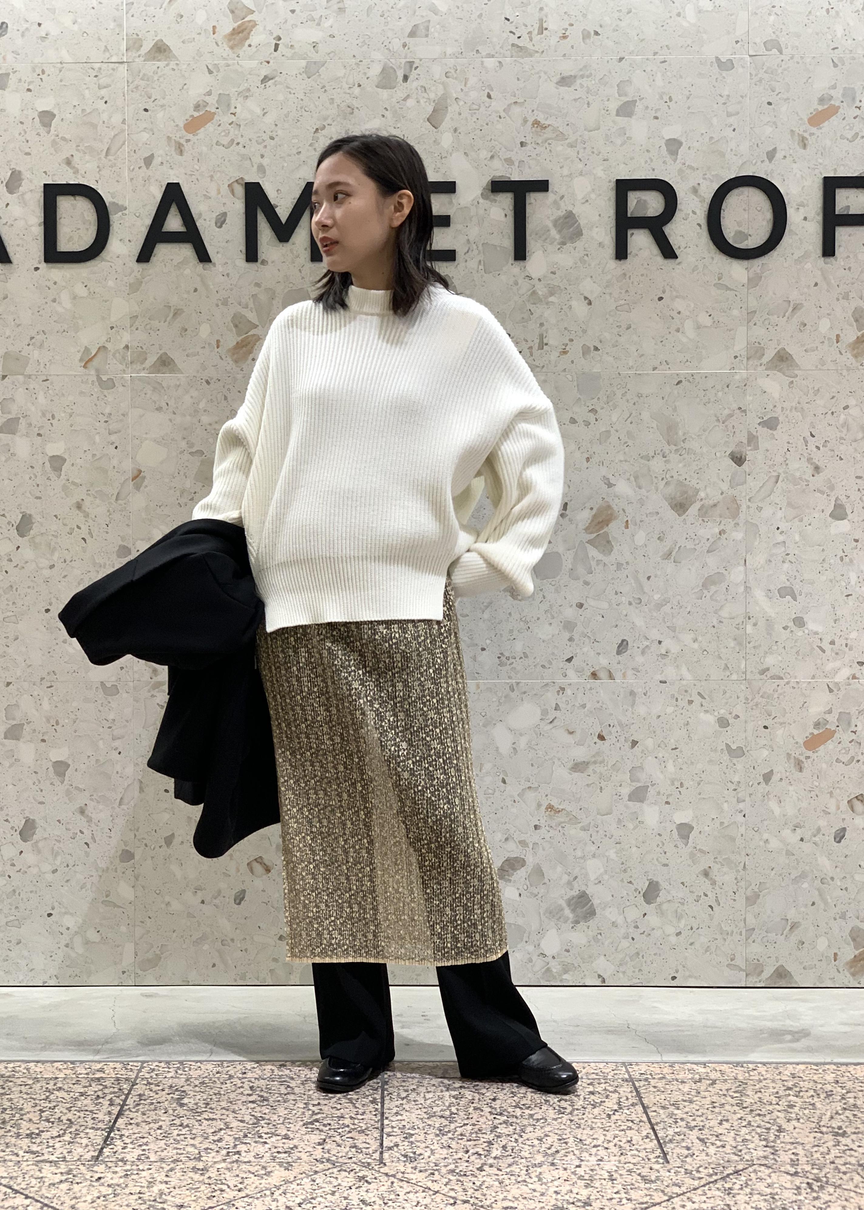 ADAM ET ROPE'のプリーツレースタイトスカートを使ったコーディネートを紹介します。|Rakuten Fashion(楽天ファッション/旧楽天ブランドアベニュー)1086359
