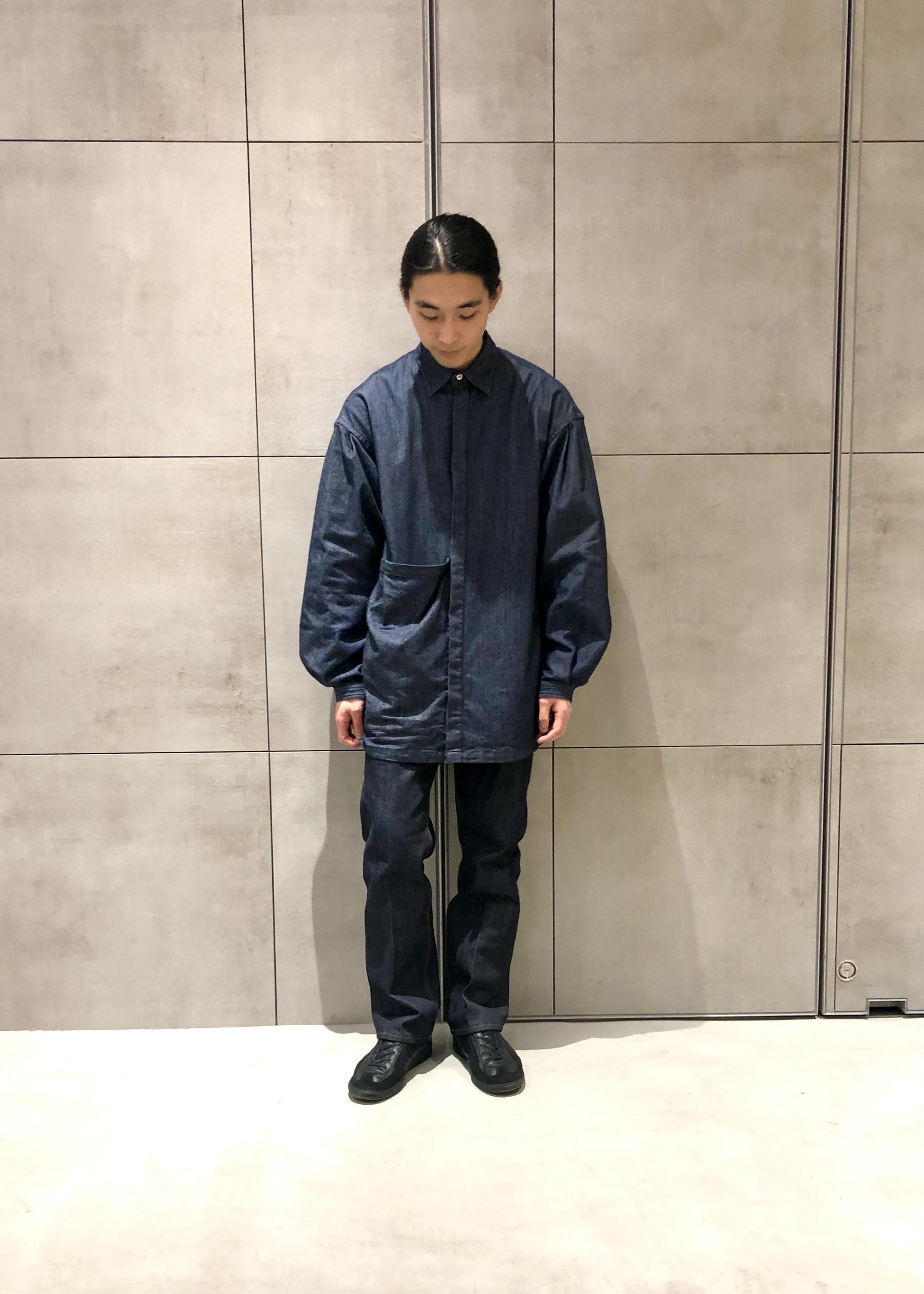ADAM ET ROPE'のデニムスラックスを使ったコーディネートを紹介します。 Rakuten Fashion(楽天ファッション/旧楽天ブランドアベニュー)1086366