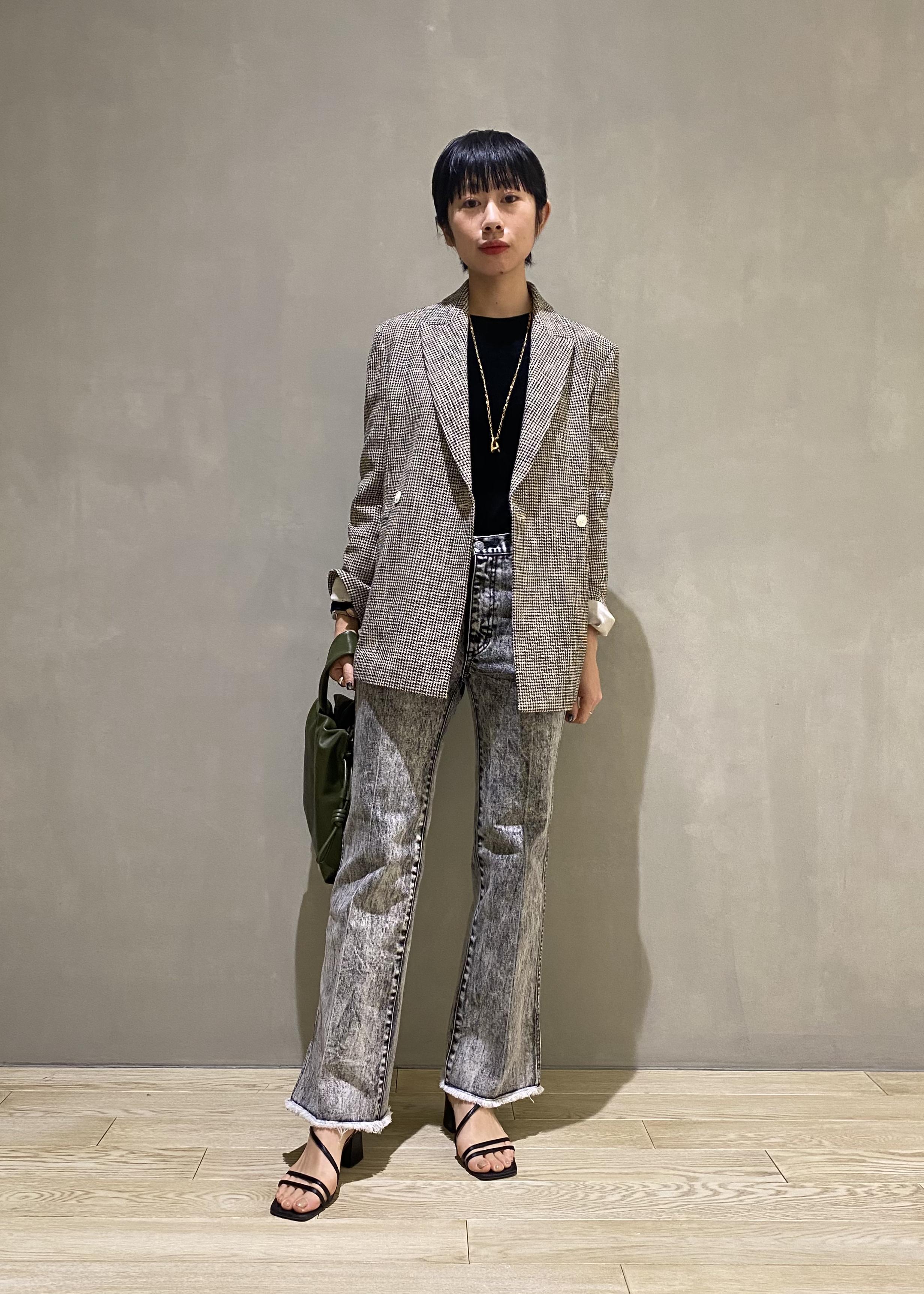 ADAM ET ROPE'のレザー巾着ミディアムバッグを使ったコーディネートを紹介します。|Rakuten Fashion(楽天ファッション/旧楽天ブランドアベニュー)1086481