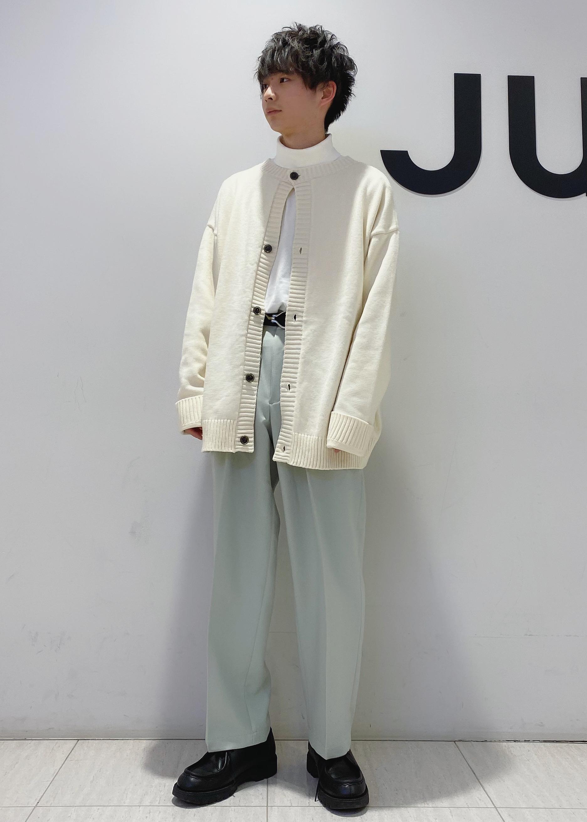 JUNRedのウォッシャブルサージインタックワイドパンツを使ったコーディネートを紹介します。|Rakuten Fashion(楽天ファッション/旧楽天ブランドアベニュー)1086790