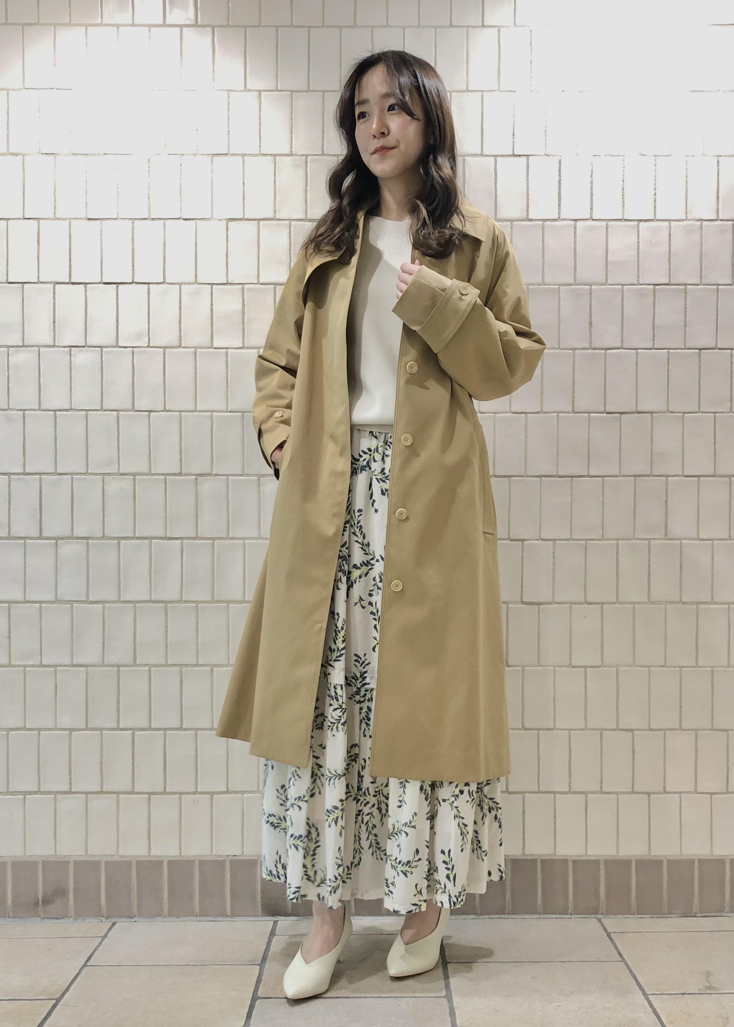 SALON adam et rope'のリーフプリントギャザースカートを使ったコーディネートを紹介します。|Rakuten Fashion(楽天ファッション/旧楽天ブランドアベニュー)1087056