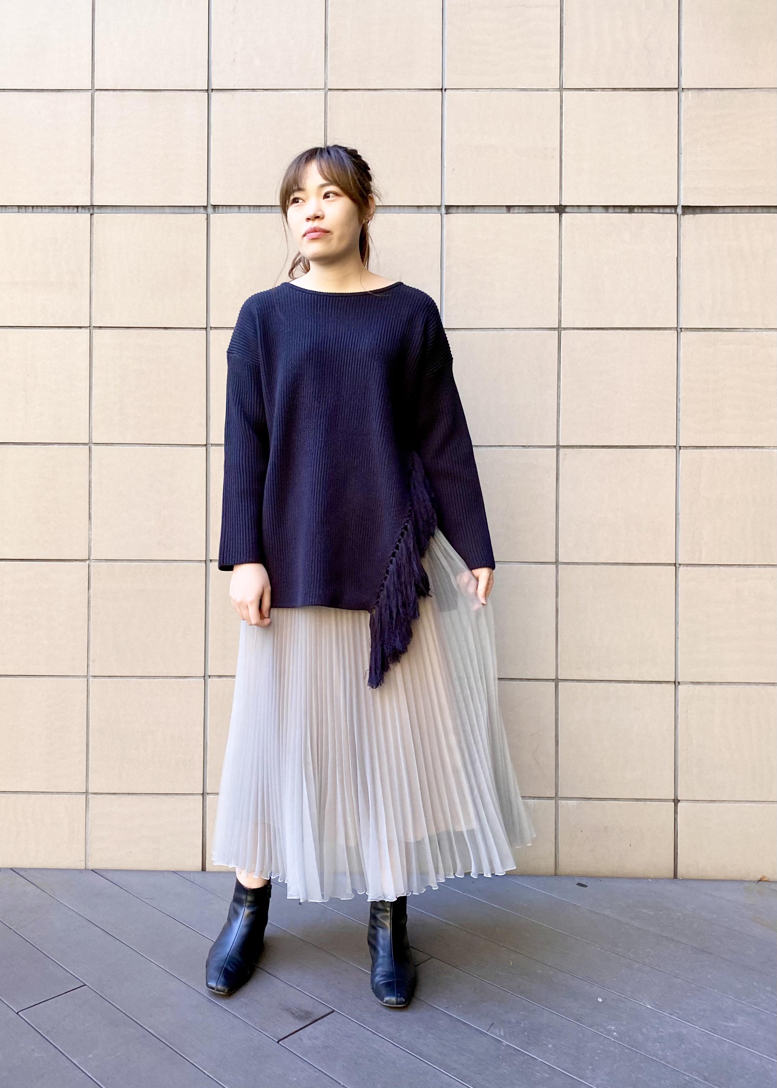 SALON adam et rope'のサイドスリットフリンジニットを使ったコーディネートを紹介します。|Rakuten Fashion(楽天ファッション/旧楽天ブランドアベニュー)1087085