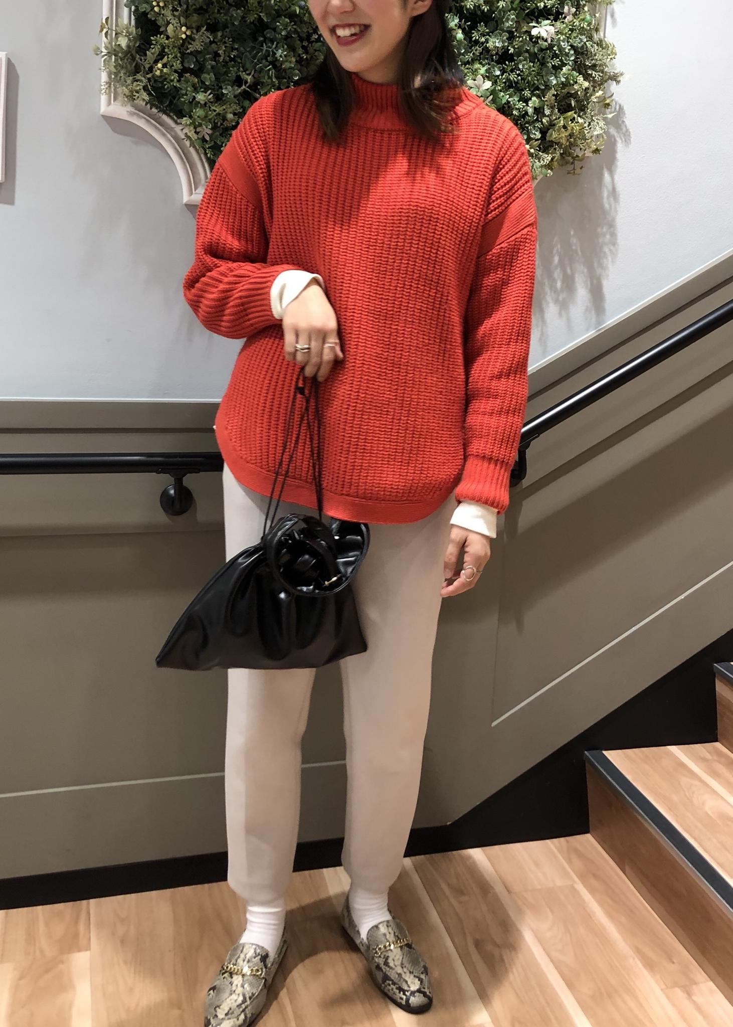 ViSの裾ラウンド畦ニットプルオーバーを使ったコーディネートを紹介します。|Rakuten Fashion(楽天ファッション/旧楽天ブランドアベニュー)1087217
