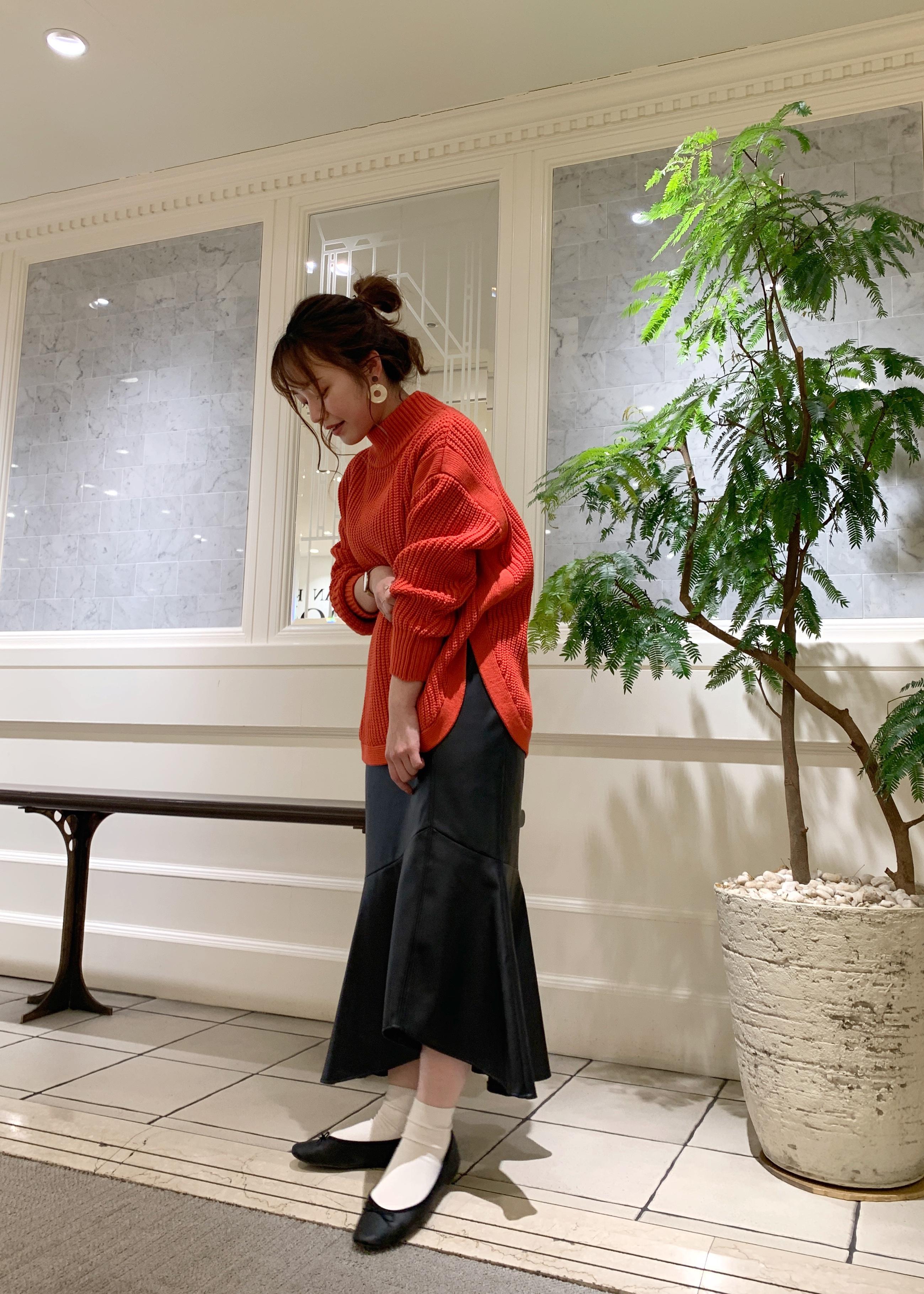 ViSのエコレザーマーメイドスカートを使ったコーディネートを紹介します。|Rakuten Fashion(楽天ファッション/旧楽天ブランドアベニュー)1087266