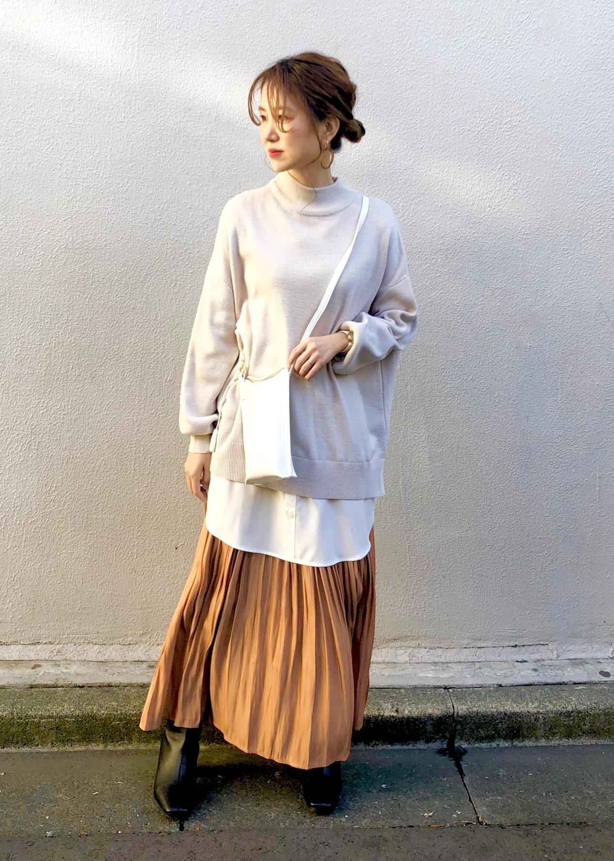 ViSのバックリボンレイヤードニットチュニックを使ったコーディネートを紹介します。|Rakuten Fashion(楽天ファッション/旧楽天ブランドアベニュー)1087316