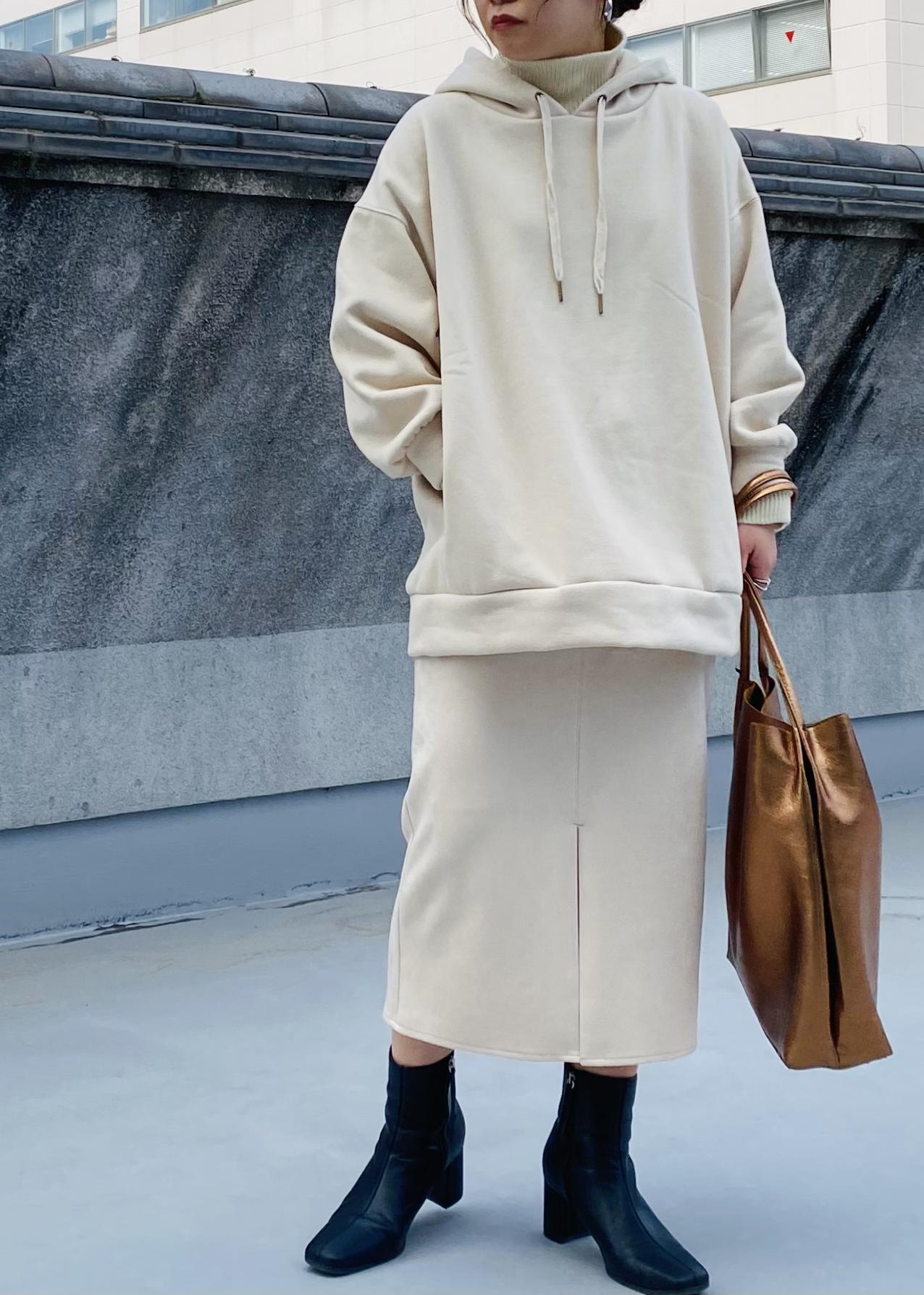 ViSのレイヤード風ニットドッキングフーディーを使ったコーディネートを紹介します。|Rakuten Fashion(楽天ファッション/旧楽天ブランドアベニュー)1087344