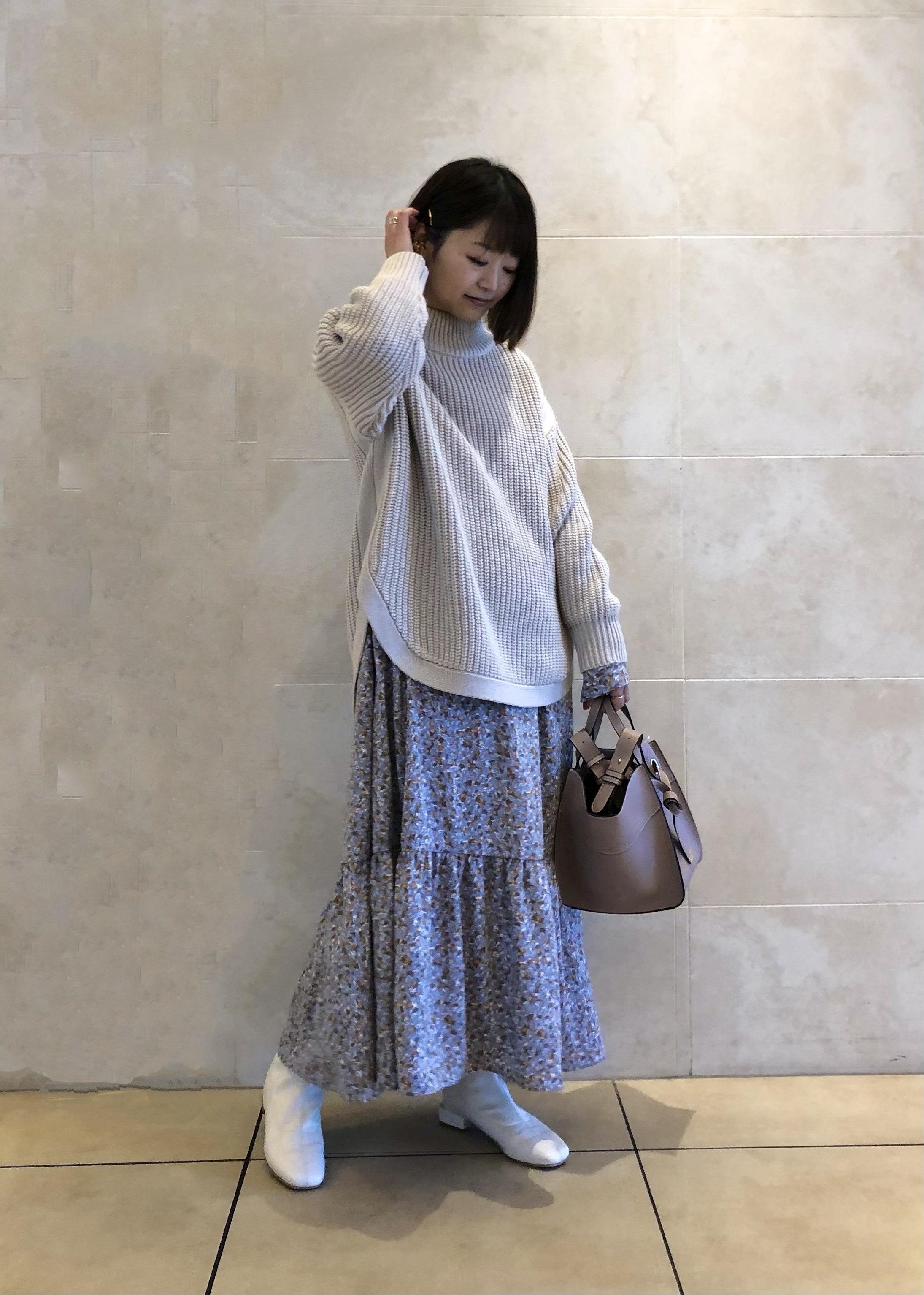 ViSの裾ラウンド畦ニットプルオーバーを使ったコーディネートを紹介します。|Rakuten Fashion(楽天ファッション/旧楽天ブランドアベニュー)1087198