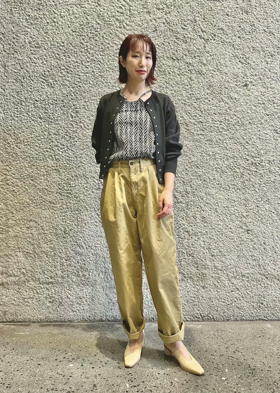 ADAM ET ROPE'の<追加>ブロードリブカーディガンを使ったコーディネートを紹介します。|Rakuten Fashion(楽天ファッション/旧楽天ブランドアベニュー)1088157