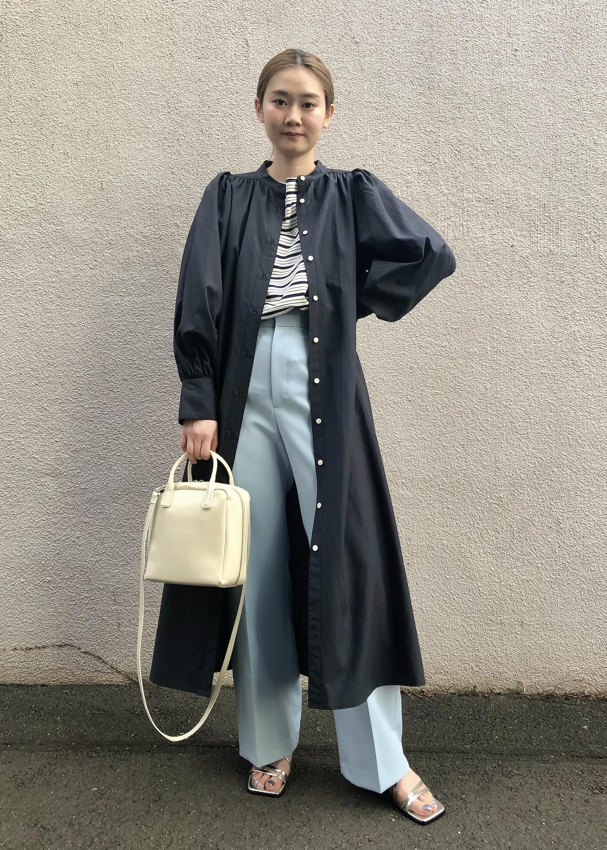ADAM ET ROPE'の【WEB限定】センタープレスフレアカラーパンツを使ったコーディネートを紹介します。|Rakuten Fashion(楽天ファッション/旧楽天ブランドアベニュー)1088422