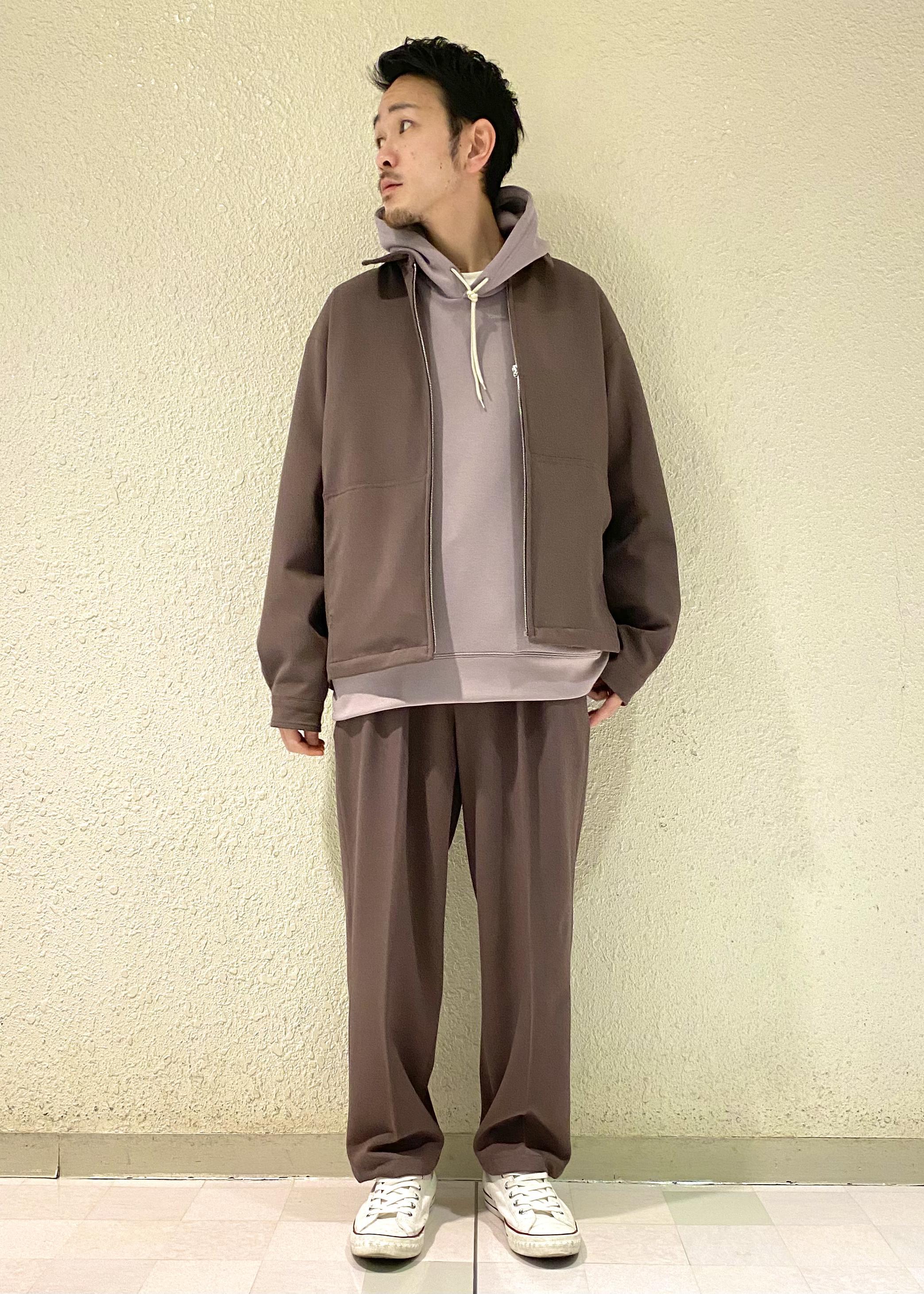 JUNRedのソフトスウェットパーカーを使ったコーディネートを紹介します。 Rakuten Fashion(楽天ファッション/旧楽天ブランドアベニュー)1088727