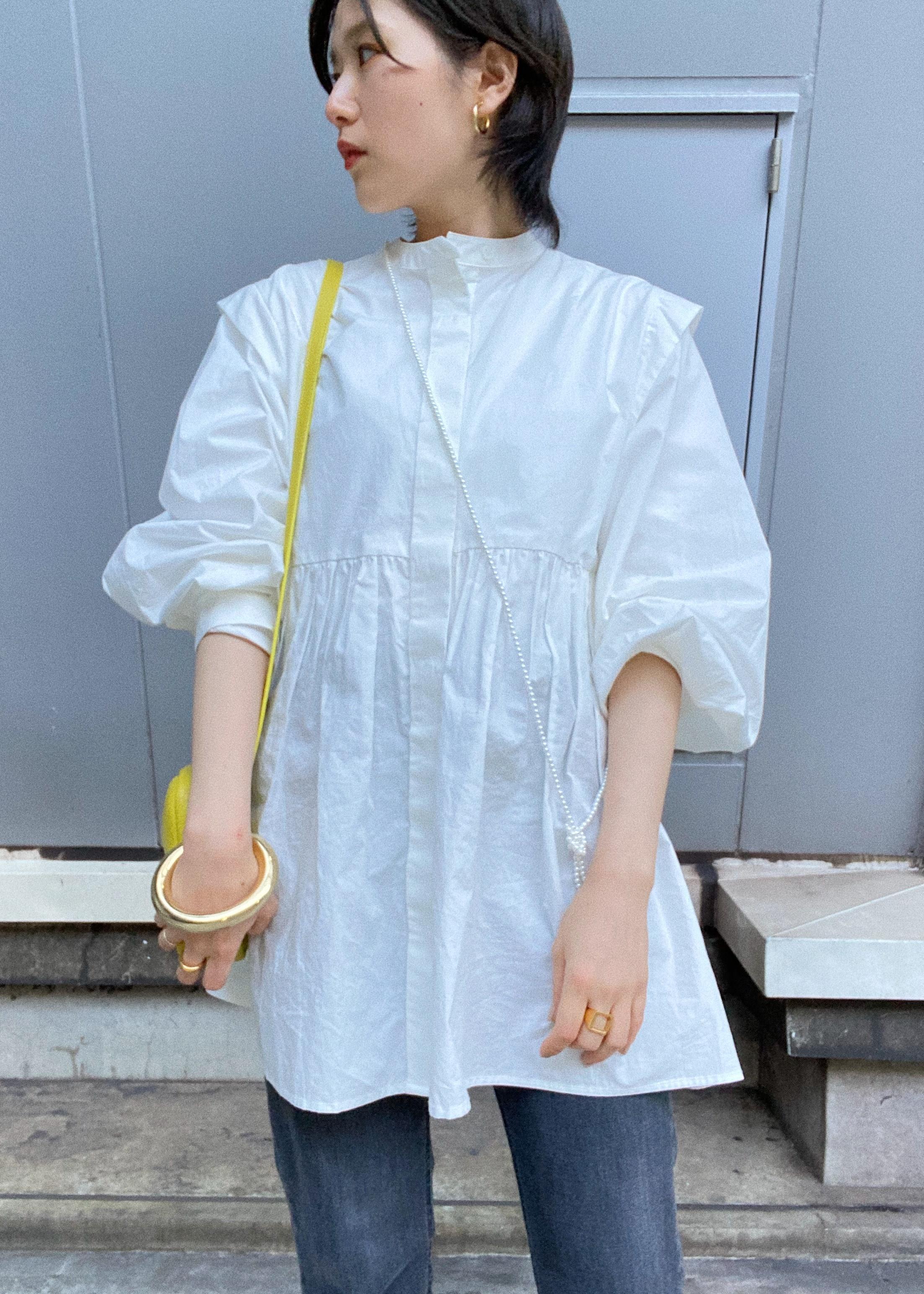 ViSのタイプライター前あきギャザー切替チュニックを使ったコーディネートを紹介します。|Rakuten Fashion(楽天ファッション/旧楽天ブランドアベニュー)1089209