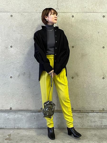 FROM FIRST MUSEEのタックパンツを使ったコーディネートを紹介します。|Rakuten Fashion(楽天ファッション/旧楽天ブランドアベニュー)1085140
