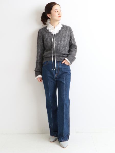 IENAのITALY モヘヤレースVネックプルオーバーを使ったコーディネートを紹介します。 Rakuten Fashion(楽天ファッション/旧楽天ブランドアベニュー)1085160