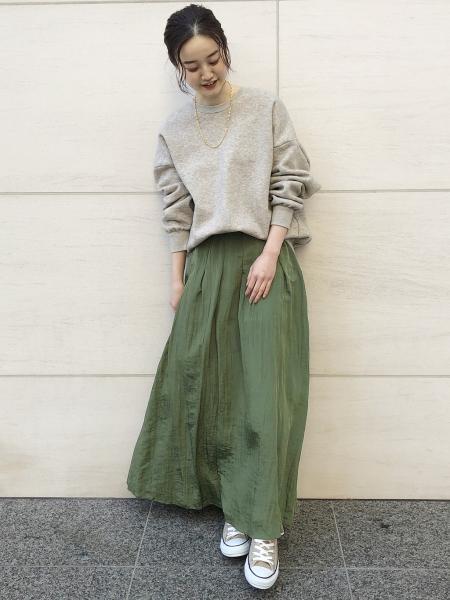 IENAの<<追加>>サテンワッシャータックスカート◆を使ったコーディネートを紹介します。|Rakuten Fashion(楽天ファッション/旧楽天ブランドアベニュー)1085184