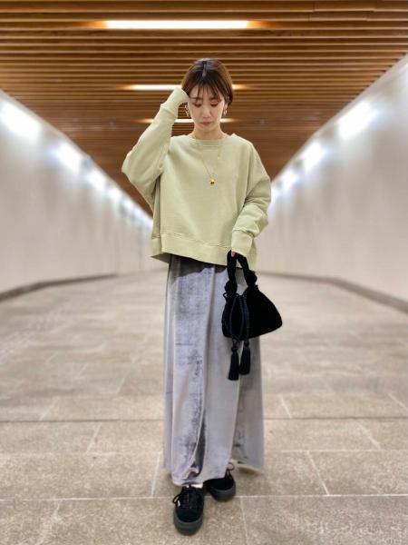 URBAN RESEARCHの【別注】Healthknit*URBAN RESEARCH ベロアスカートを使ったコーディネートを紹介します。 Rakuten Fashion(楽天ファッション/旧楽天ブランドアベニュー)1085164