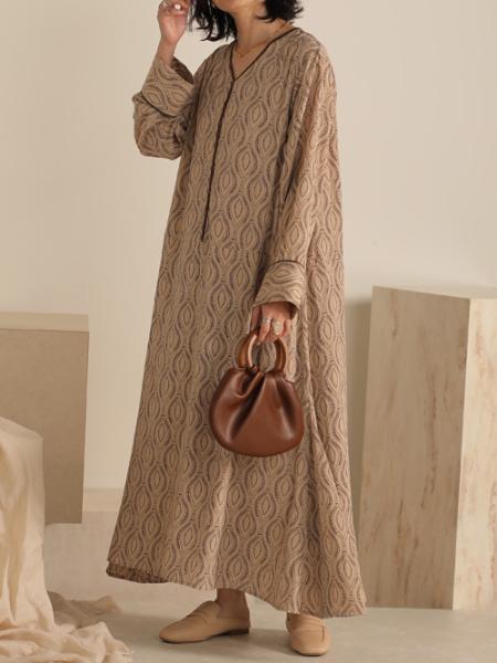 Bou Jeloudの配色パイピングモティフカフタンワンピースを使ったコーディネートを紹介します。|Rakuten Fashion(楽天ファッション/旧楽天ブランドアベニュー)1089526