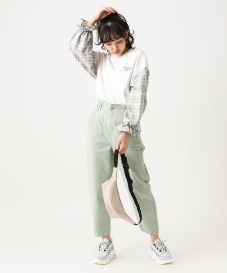 repipi armarioのペーパーバックテーパードを使ったコーディネートを紹介します。|Rakuten Fashion(楽天ファッション/旧楽天ブランドアベニュー)1089640