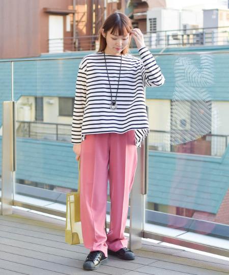 BEAMS WOMENのRay BEAMS / バック フレア ロングスリーブ Tシャツを使ったコーディネートを紹介します。|Rakuten Fashion(楽天ファッション/旧楽天ブランドアベニュー)1089703