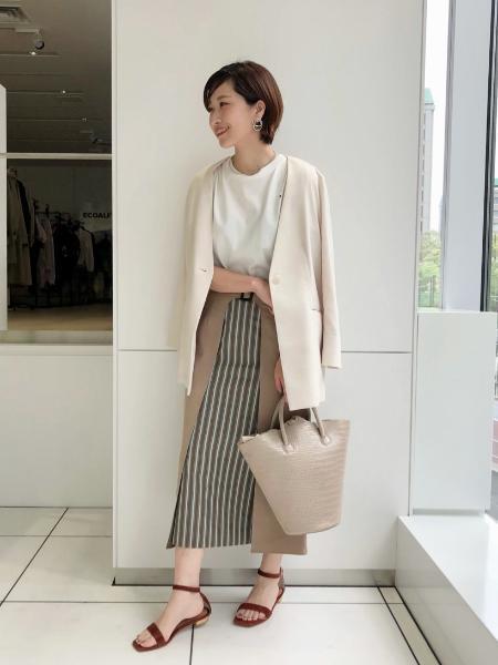 CAST:の半袖バックプリントローズ アートTを使ったコーディネートを紹介します。|Rakuten Fashion(楽天ファッション/旧楽天ブランドアベニュー)1089913